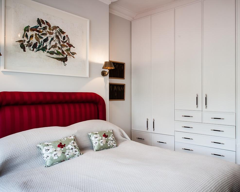 Custom wardrobe design bedroom