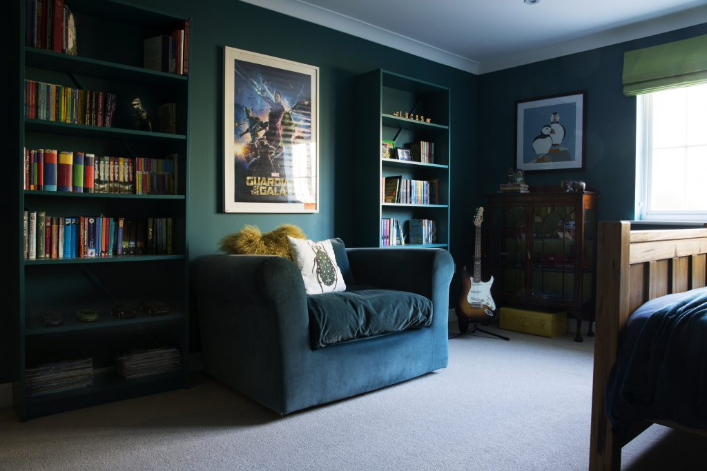 A smartstyle design journey a tweenager 39 s bedroom in for Spiffy spools