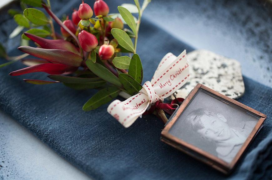 photograph in kiko frame with foliage decoration