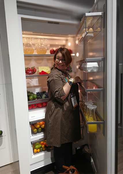 Mary Middleton from peagreen in a fridge at kbis